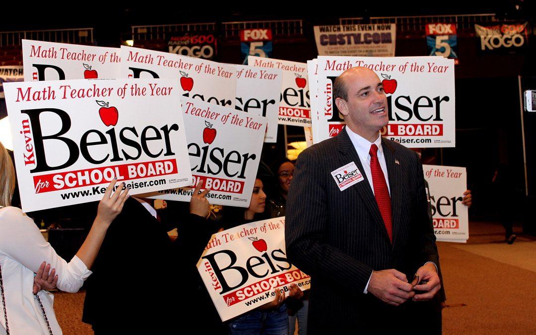 Kevin Beiser speaks at Let Loose for Literacy
